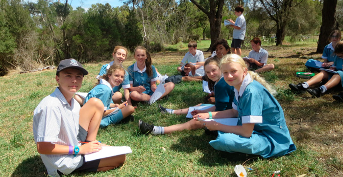 annual-giving-yr7centre-students